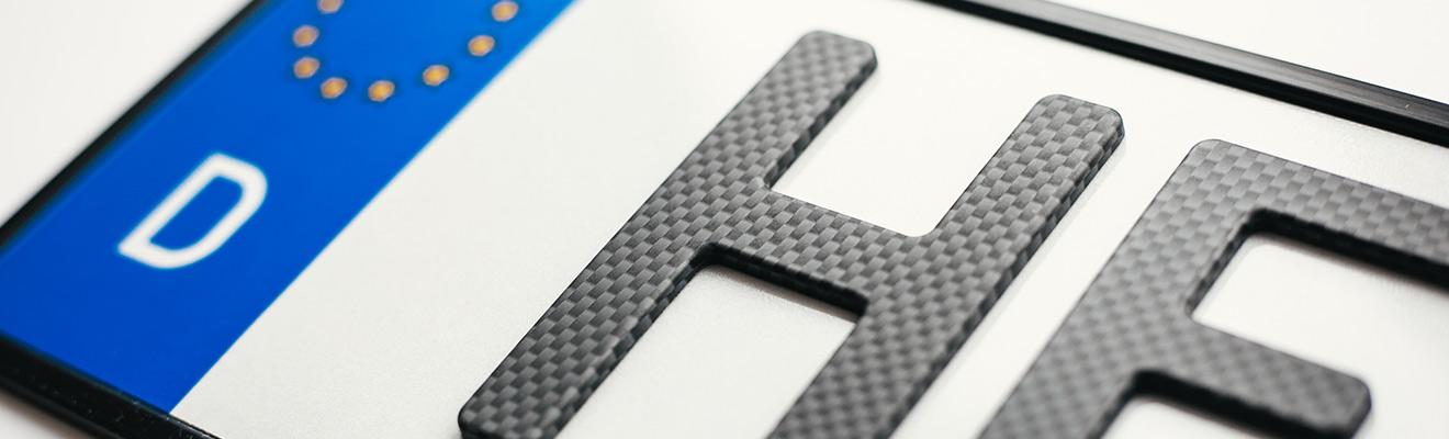 3D-Kennzeichen in Carbon-Optik